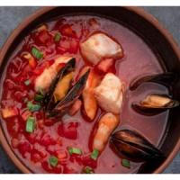 Острый испанский суп из морепродуктов